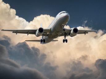 航空機リース事故